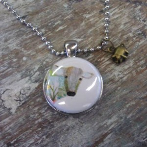 cow_necklace_animal_rights_jewelry_d7cd3f03-6434-40b7-927b-6115d10a4991